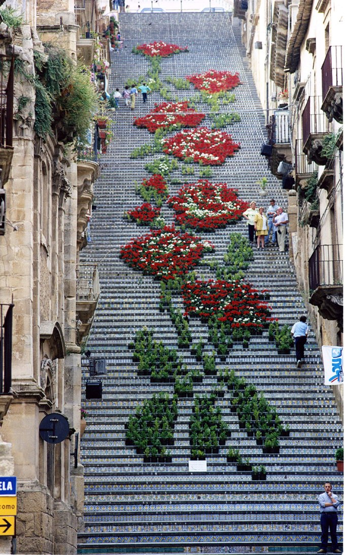 creative-beautiful-steps-stairs-street-art-8.jpg